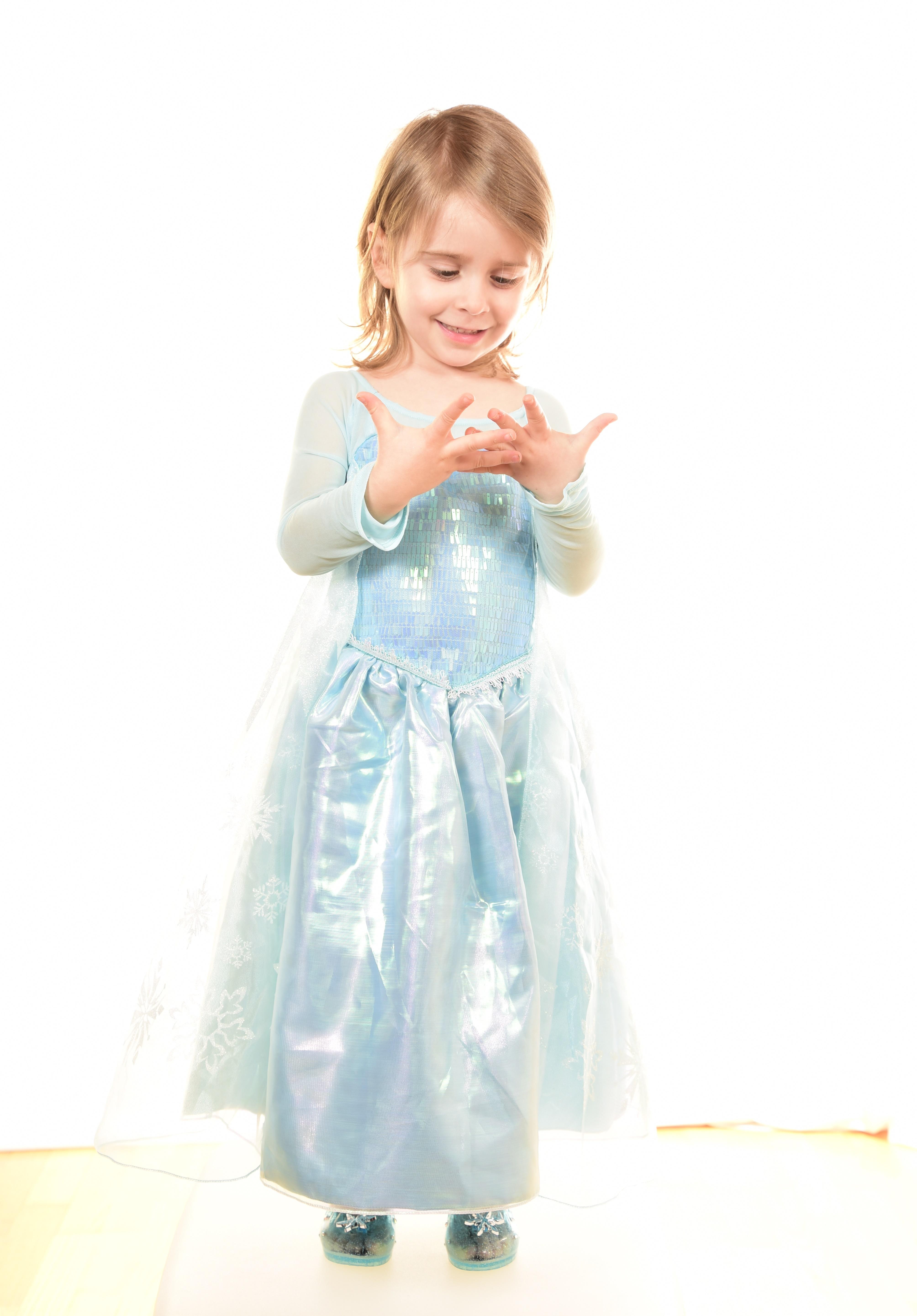 Sono disponibili costumi per i più piccini, da 1 a 3 anni, e anche una ricca scelta di vestiti di Carnevale per i bambini un po' più grandi, dai 3 ai 7 anni, oltre a una serie di accessori per completare il .