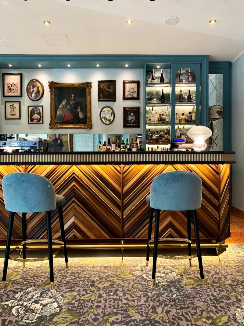 hotel indigo lounge bar